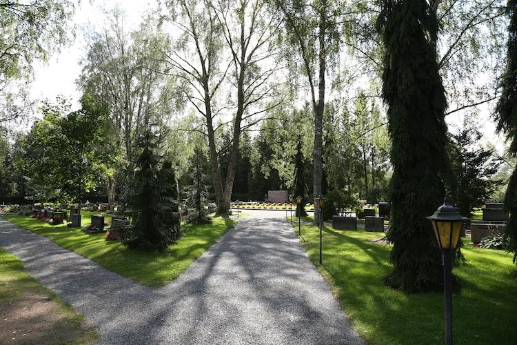 Karinaisten hautausmaat